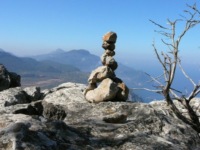 Stones-Mountains-Stone-Tower-2467746.jpg